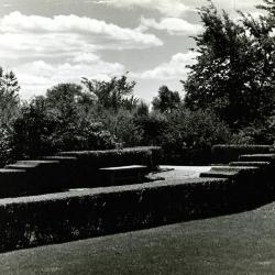 Bench & garden, mature