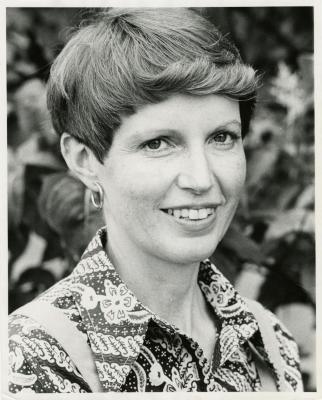 Nancy Hart, headshot