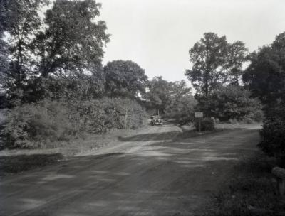 Oakwood loop and cutoff with car approaching