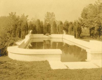 Morton Residence grounds at Thornhill, Thornhill pool