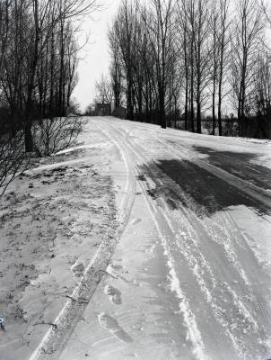 Simonds Road in winter looking southeast to DuPage River bridge