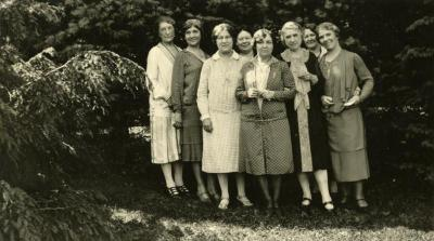 Mrs. Joy Morton and friends, on grounds at Thornhill residence