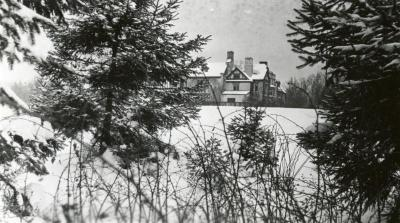 Morton Residence at Thornhill, snow-covered grounds in foreground