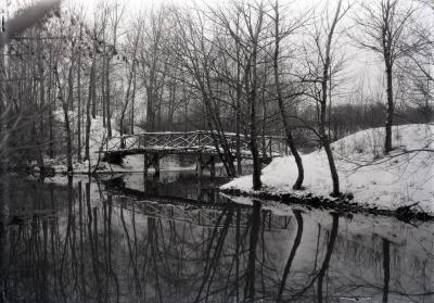 Jopamaca footbridge over DuPage River in winter