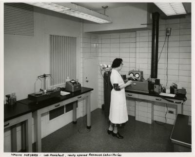Naomi Meyers working in the new Research lab