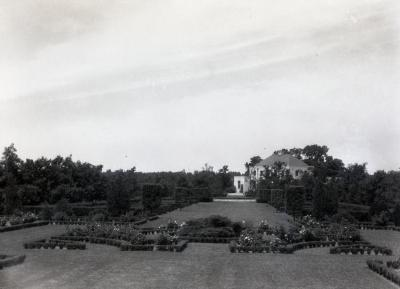 Administration Building, view from Hedge Collection and Old Fashioned Rose Garden