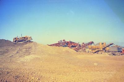 Arbor Lake excavation, men and equipment at work