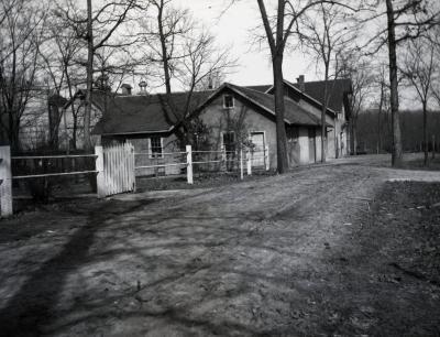 Morton Home Farm buildings, shop and barn