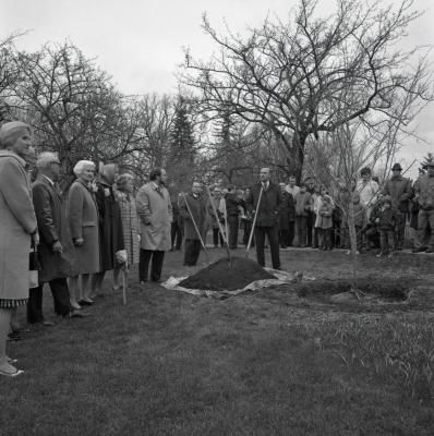 Arbor Day Centennial, afternoon program, Tony Tyznik speaking to J. Sterling Morton descendants and crowd at tree planting