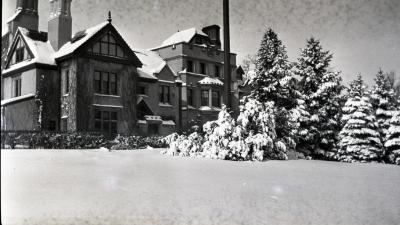 Morton Residence at Thornhill, view from southeast in winter